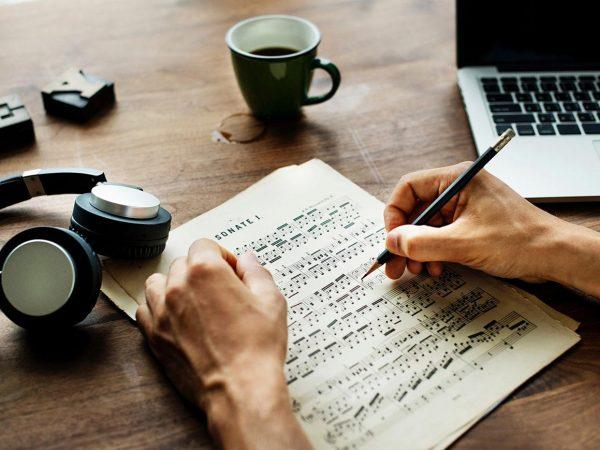 Laptop-and-Sheet-Music